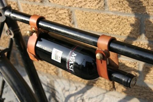 Portabotella-vino-bicicleta-1-500x333